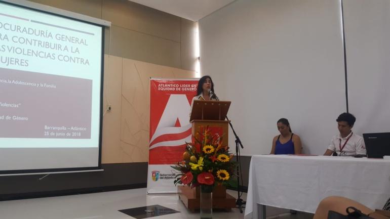 Luz Myriam Hoyos, Procuradora delegada para la defensa de los derechos de la infancia, la adolescencia y la familia.