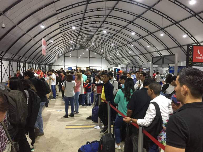 Cancelación de vuelos afectan a 300 pasajeros en el Cortissoz