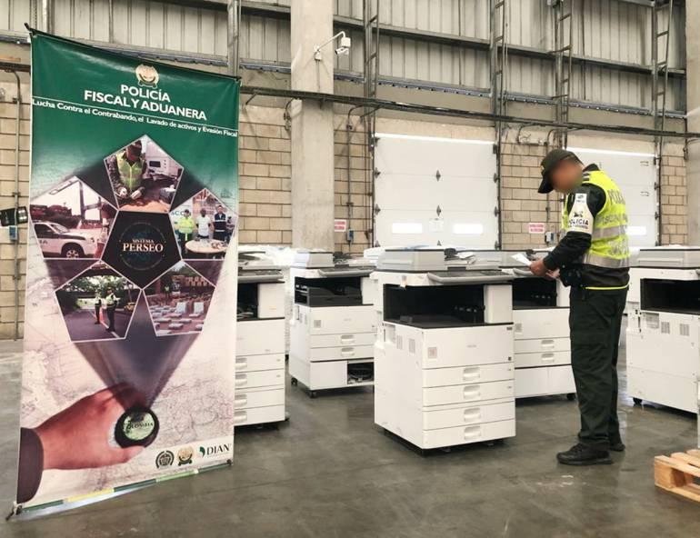 Decomisan 63 fotocopiadoras de contrabando en Cartagena: Decomisan 63 fotocopiadoras de contrabando en Cartagena