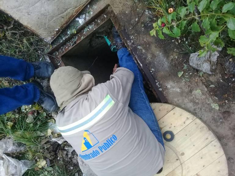 Ladrones de cables dejan sin alumbrado avenida principal de Cartagena: Ladrones de cables dejan sin alumbrado avenida principal de Cartagena