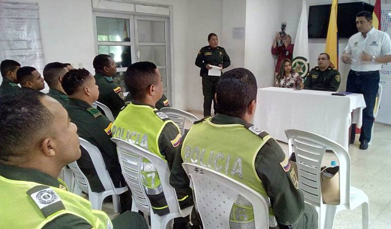Cartagena, Policía Metropolitana, Delincuencia: Por buena prestación de servicios condecoraron a 20 Policías de Cartagena