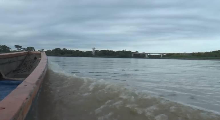 Arrojan salvavidas a productores de Valdivia afectados por Hidroituango