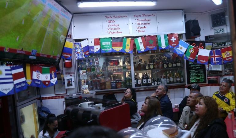 Ventas durante el Mundial: Ventas aumentan 35% en Bogotá por partidos de Colombia en el Mundial