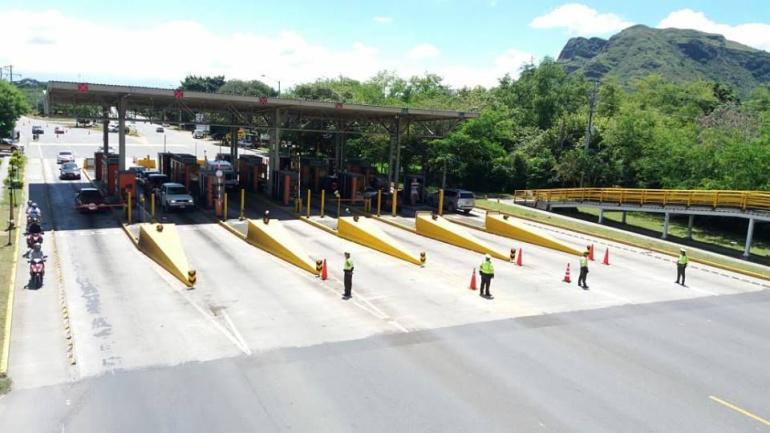 Más de 100.000 vehículos se movilizaron en Tolima durante festivo