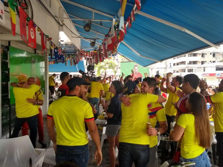 Los hinchas en Barranquilla destacan el juego de Colombia: Los hinchas en Barranquilla destacan el juego de Colombia