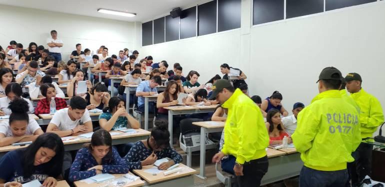Así fueron los primeros operativos de la Policía durante el examen de admisión de la Universidad del Magdalena. POLICÍA NACIONAL.
