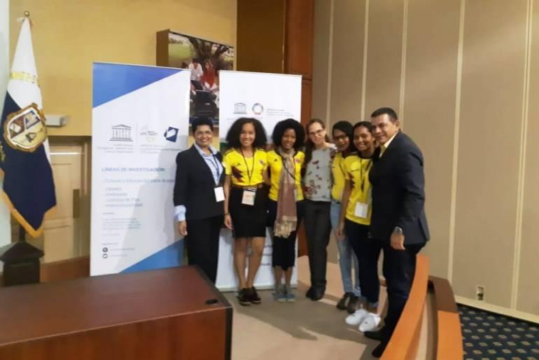 Mayor de Bolívar oficialmente en la Red Internacional de Jóvenes por la Paz: Mayor de Bolívar oficialmente en la Red Internacional de Jóvenes por la Paz