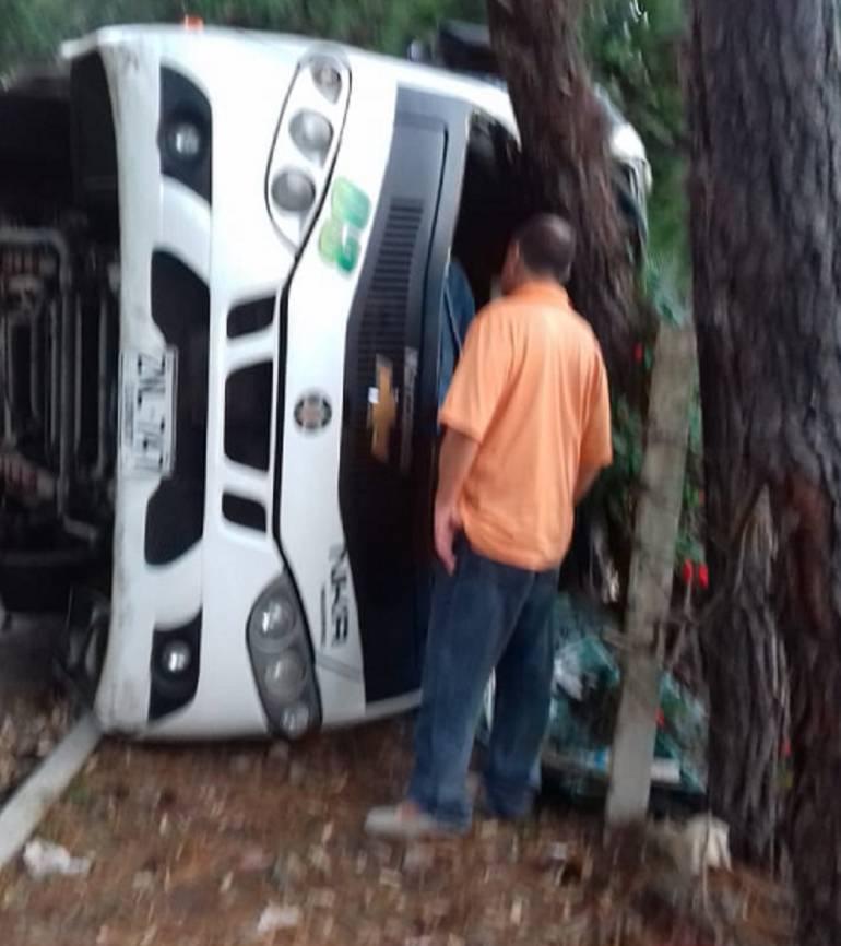17 heridos deja accidente en vías del Valle: Accidente de tránsito deja 17 heridos en carreteras del Valle