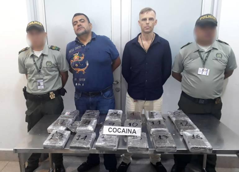 Decomisan 22 kilos de coca en aeropuerto de Cartagena; dos capturados: Decomisan 22 kilos de coca en aeropuerto de Cartagena; dos capturados