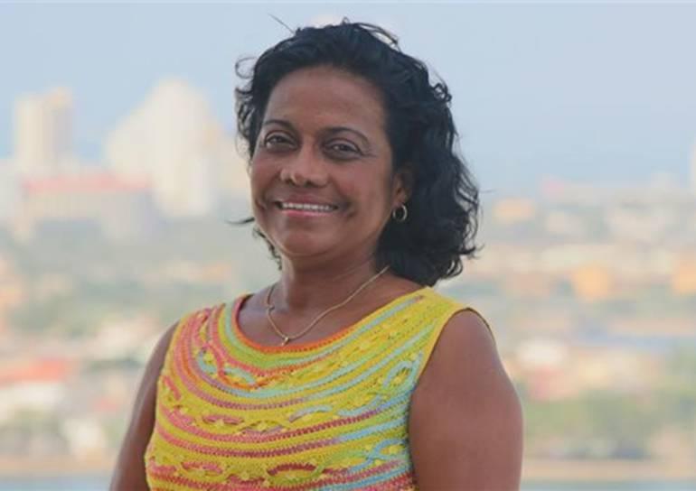 Unicartagena iza bandera a media asta por muerte de docente Rosita Jiménez: Unicartagena iza bandera a media asta por muerte de docente Rosita Jiménez