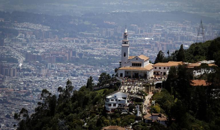Cerros Monserrate y Guadalupe: Medida de aseguramiento por construcción en cerros de Bogotá