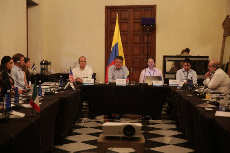 Funcionarios venezolanos se roban recursos de programa de alimentación: Funcionarios venezolanos se roban recursos de programa de alimentación