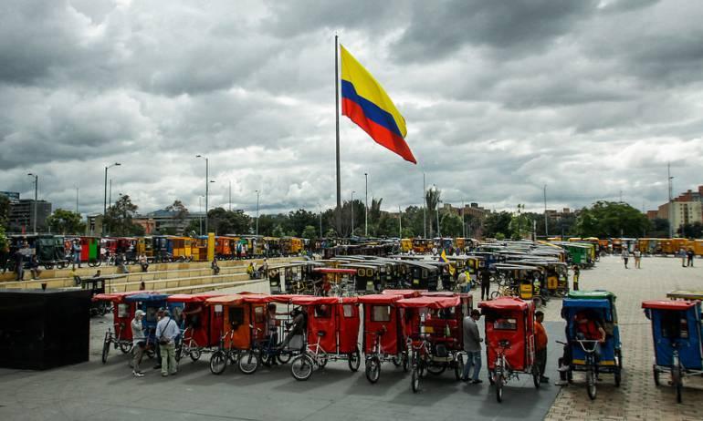 Bicitaxistas: Alcaldía de Bogotá apoya la reglamentación a bicitaxistas