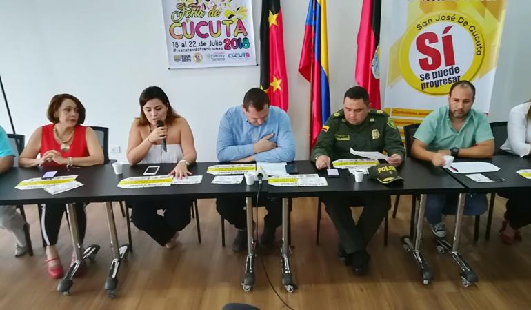 Comerciantes, autoridades, y alcaldía de Cúcuta promocionando la jornada