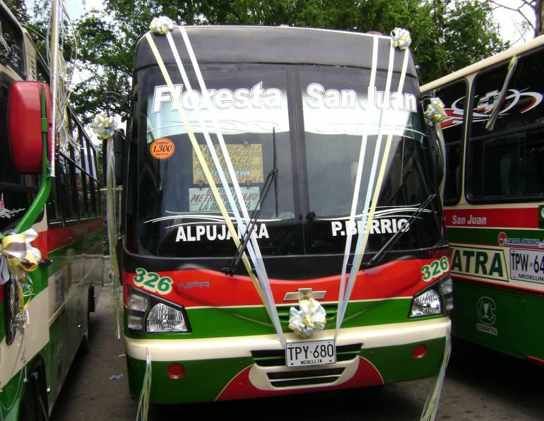 paro, bueses, floresta, san juan, comuna trece, delincuentes, extorsion: Dos rutas de Floresta San Juan están en paro por el bus incinerado