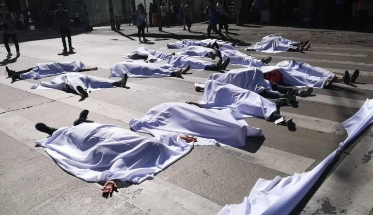 Jóvenes, Medellín, protesta: Jóvenes de Medellín protestan contra aumento de homicidios