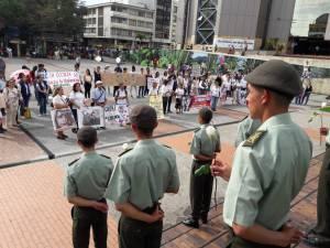 En la plaza de Bolívar de la capital del Quindío se cumplió la protesta