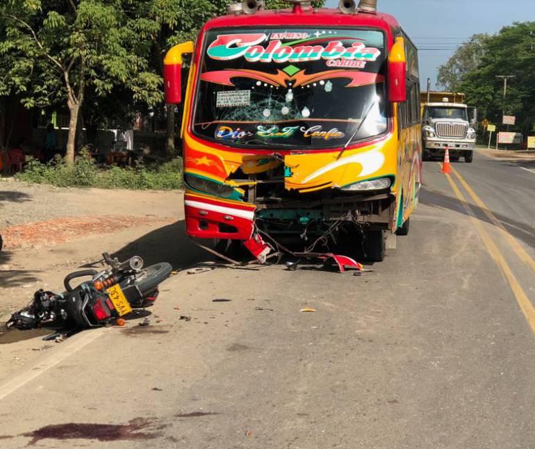 Un muerto y una mujer en UCI deja accidente en carreteras del Atlántico