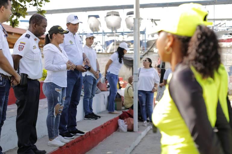 Entregan dotación a salvavidas de Cartagena