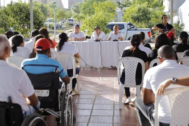 Alcaldía de Cartagena despachó en el barrio Huellas de Alberto Uribe