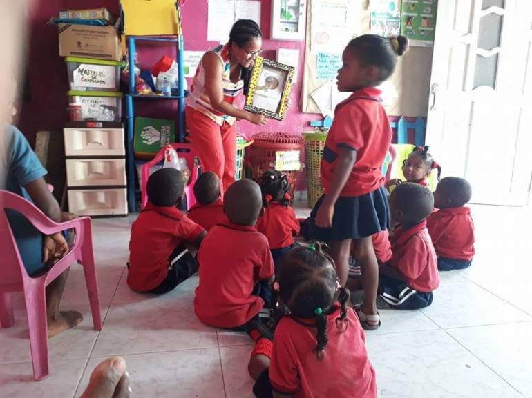 """Libro Ruta Gana Cartagena"" fortalece Biblioteca de Tierra Bomba: ""Libro Ruta Gana Cartagena"" fortalece Biblioteca de Tierra Bomba"