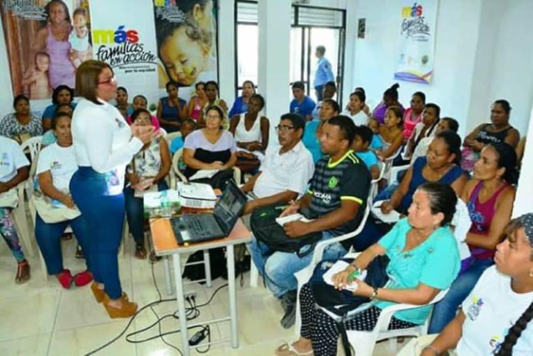 Encuentros pedagógicos de Mas Familias en Acción en barrios de Cartagena: Encuentros pedagógicos de Mas Familias en Acción en barrios de Cartagena