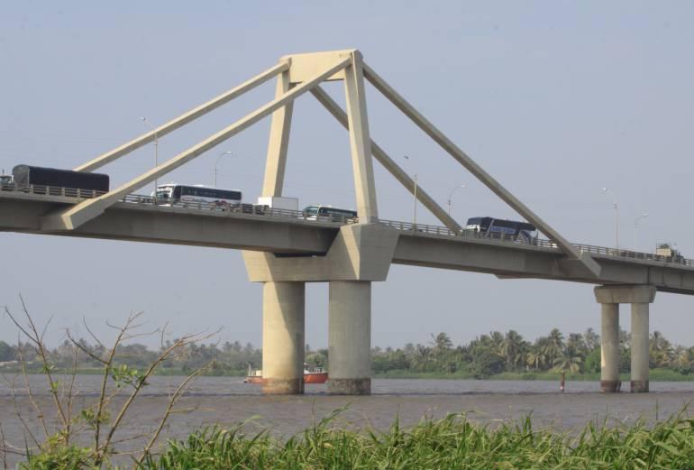 Invías exige celeridad en obras del nuevo Puente Pumarejo
