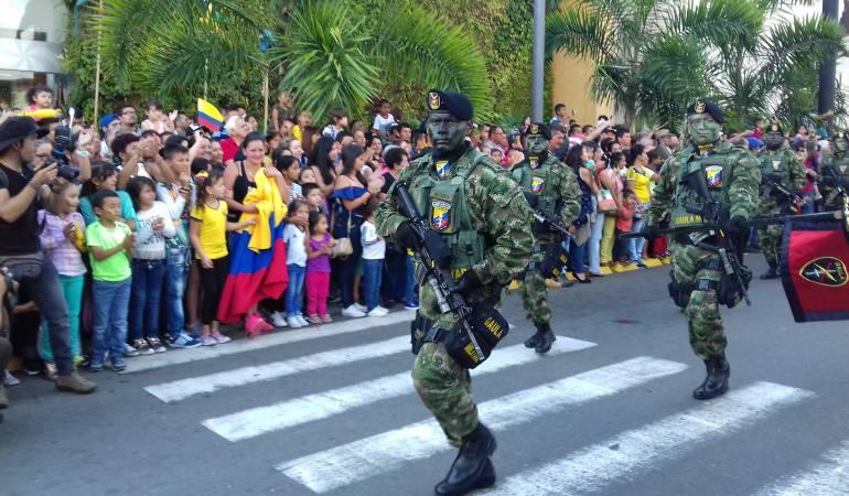Desfile del día de la independencia este viernes 20 de julio 4pm se inicia en  parque Fundadores de Armenia