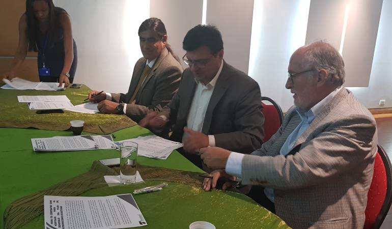 Entrega de recursos, Hospitales, Caldas: $1.752 millones de pesos se invertirán en los hospitales de Caldas