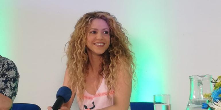 Shakira habló con los medios de comunicación.