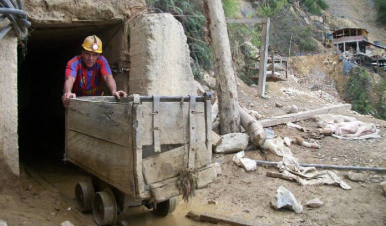MINA MINERO MUERE DERRUMBES: Derrumbe en mina de Santander deja un hombre muerto
