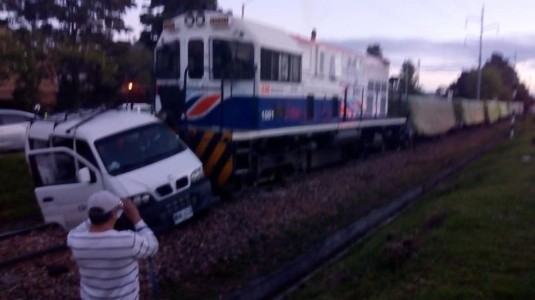 Accidentes tráfico: Seis heridos deja accidente de tren con vehículo particular en Bogotá