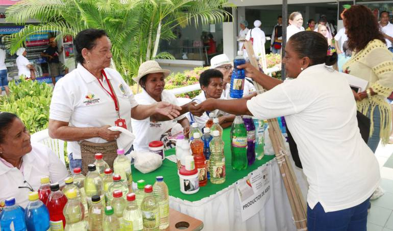 Adelantan feria de unidades productivas en Centros de Vida de Cartagena