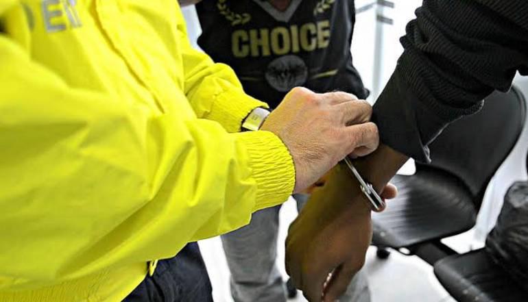 Encarcelan a médico investigado por presunto abuso sexual a una paciente