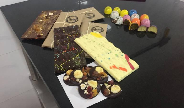 Pasteles de chocolate: En los zapatos de un chef pastelero experto en piezas de chocolate