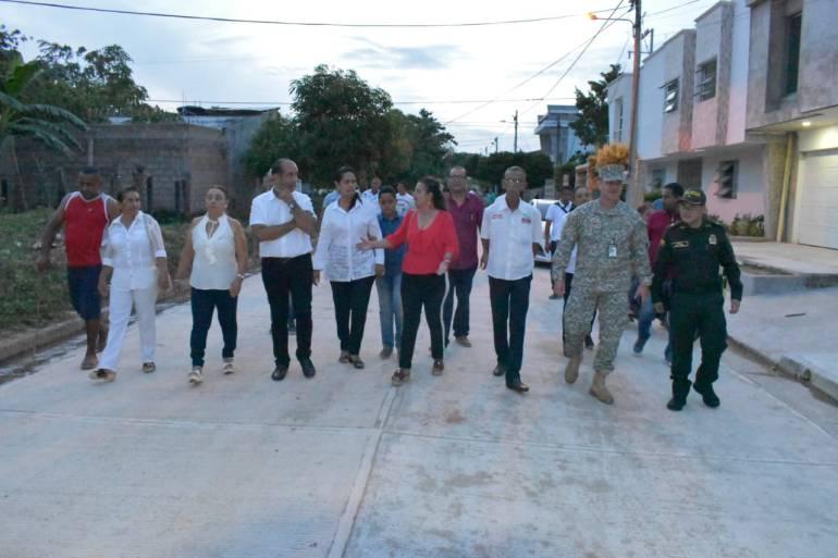 Sigue la revolución del pavimento en Magangué Bolívar: Sigue la revolución del pavimento en Magangué Bolívar
