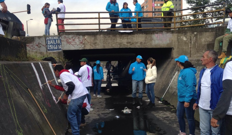 Habitantes de calle en Bogotá: Ex habitantes de calle se tomaron caño para recuperar amigos