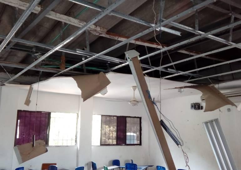 Otra vez, colapsa el techo de un colegio en Cartagena: Otra vez, colapsa el techo de un colegio en Cartagena
