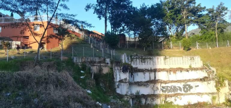 Contralor de Antioquia amplió su casa con parte del lote de edificio Space