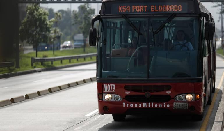 Suplantación Licitaciones Transmilenio: Suspenden licitación para reemplazar buses de Transmilenio