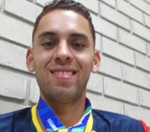 Gerard Nicolás Giraldo, medalla de oro en 3000m obstáculos en atletismo.