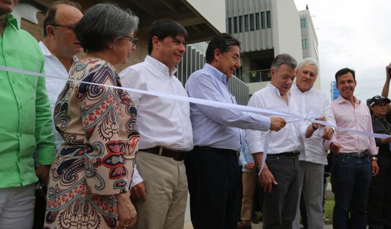 El fiscal general de la nación Néstor Humberto Martínez Neira en Cúcuta con el presidente Juan Manuel Santos en la inauguración del búnker de la Fiscalía