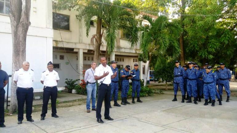 En la cárcel de Ternera de Cartagena bomberos inicia programa de prevención: En la cárcel de Ternera de Cartagena bomberos inicia programa de prevención