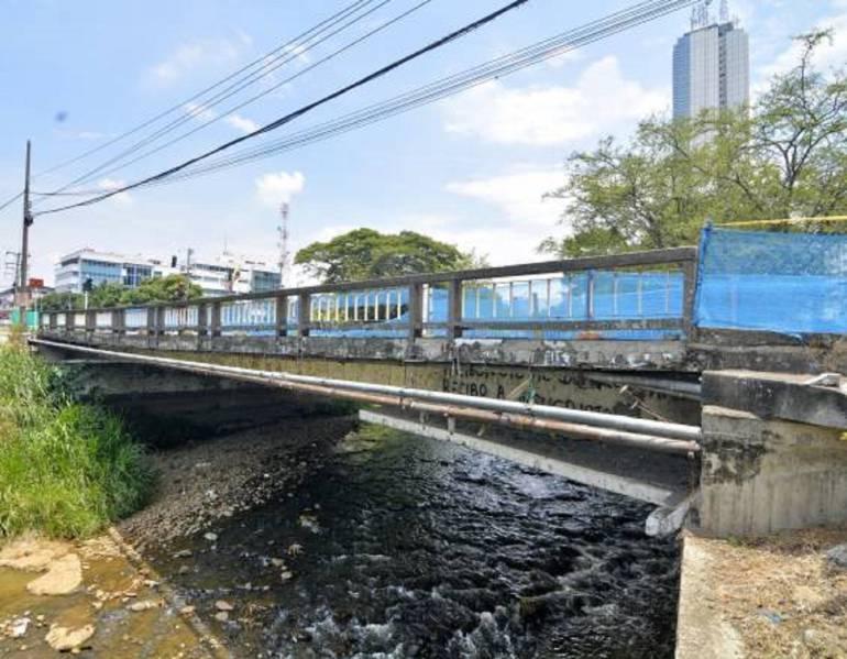 Tumbaran puente: Puente sobre el río Cali en la calle 21 será demolido