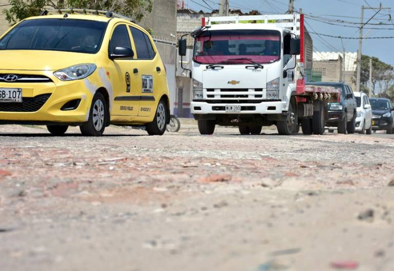 Inician obras de rehabilitación en la Vía a Juan Mina