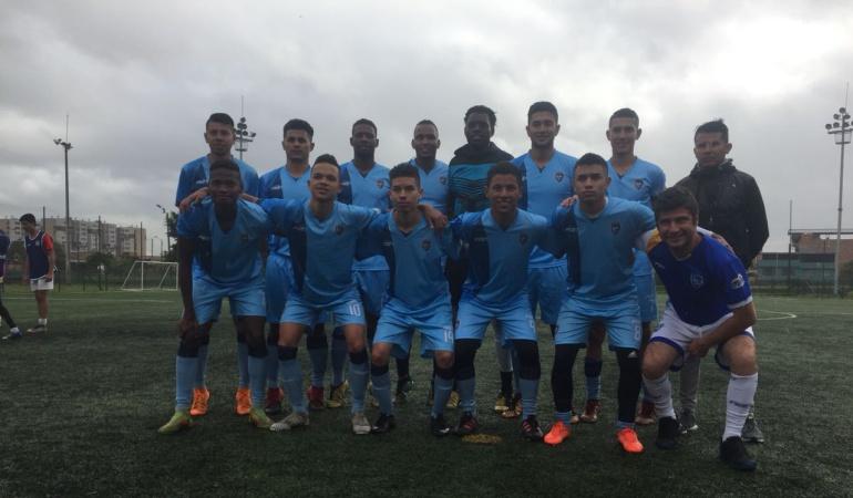 Fundaciones de fútbol: En los guayos de un jugador de La Paz F.C.