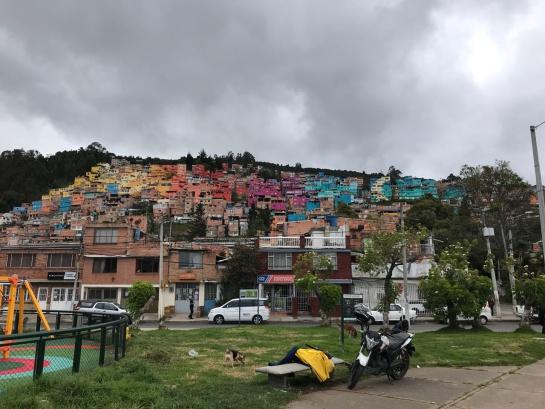 Barrio Buenavista: El color convierte un barrio deprimido de Bogotá en un atractivo turístico