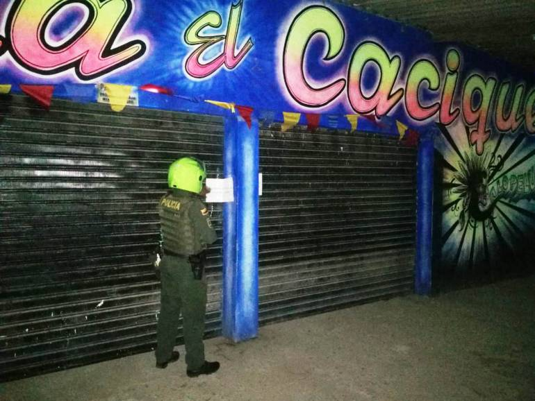 En Arjona cierran dos establecimientos por invasión de espacio público: En Arjona cierran dos establecimientos por invasión de espacio público