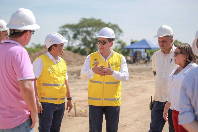 Gobernador de Bolívar inspecciona obras en Mompox: Gobernador de Bolívar inspecciona obras en Mompox