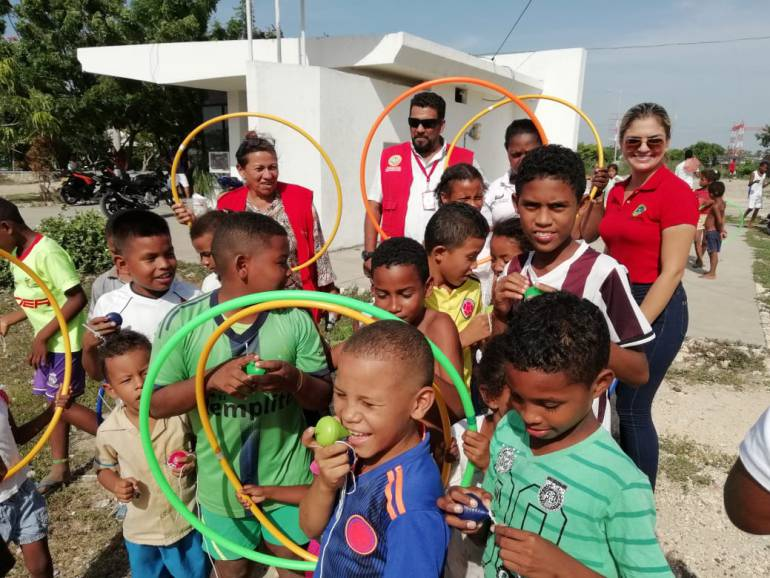 Cambian cometas por juguetes para evitar accidentes en Cartagena: Cambian cometas por juguetes para evitar accidentes en Cartagena
